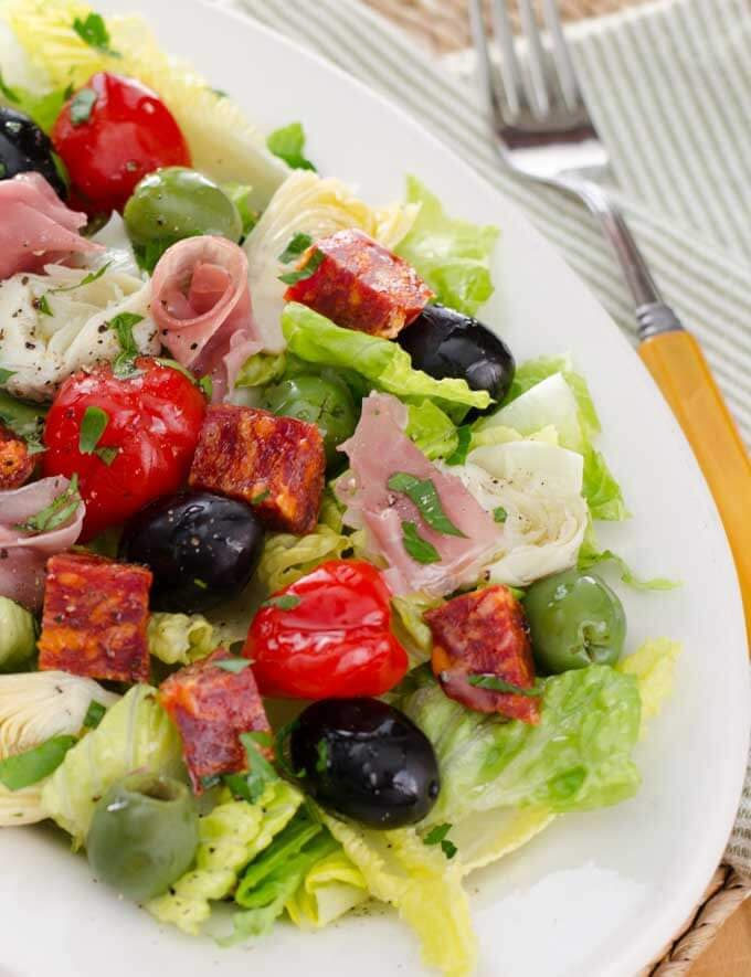 Keto luch ideas - Antipasto salad
