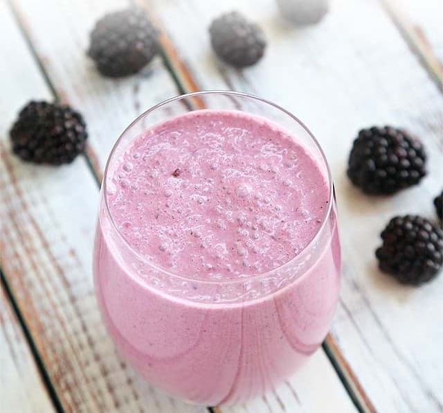 Blackberry cheesecake smoothie
