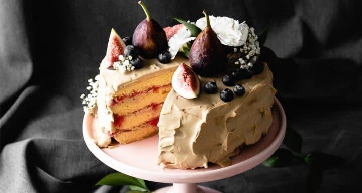 Coconut raspberry keto cake