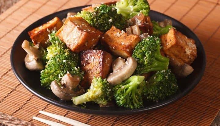 Tofu-Broccoli-Mushrooms